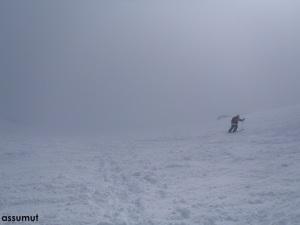 Descenso entre la niebla.